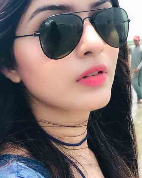 Girls Attitude Whatsapp Dp Images for download