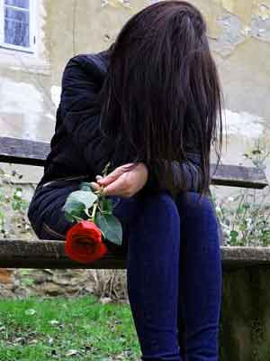 New Fresh Very sad girl whatsapp dp Images